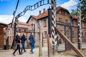 entrada habilitada al campo Auschwitz I y Birkenau